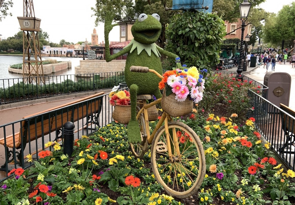 Kermit The Frog Topiary F&g
