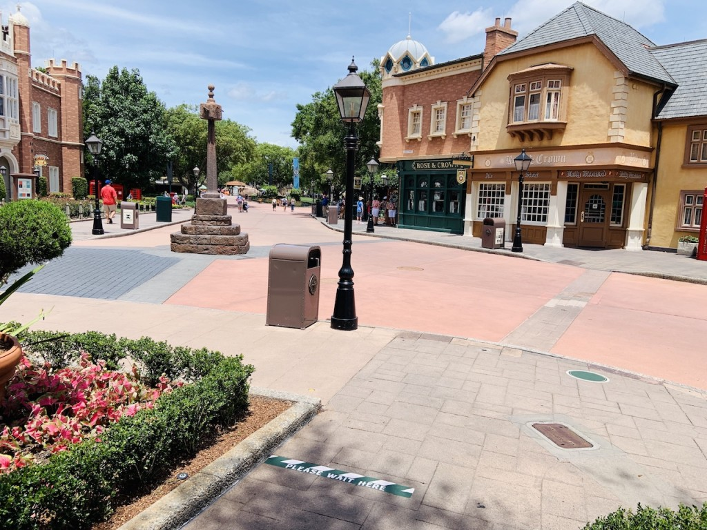 2020 Epcot Sparse Crowds